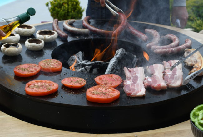 La_metallerie_brasero_pour_manger_exterieur_barbecue_bois